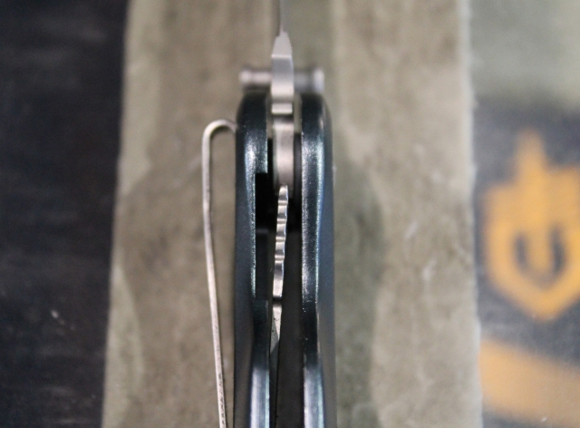 Gerber Airfoil lock
