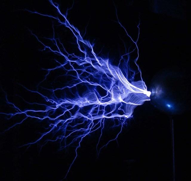 Tesla coil discharge