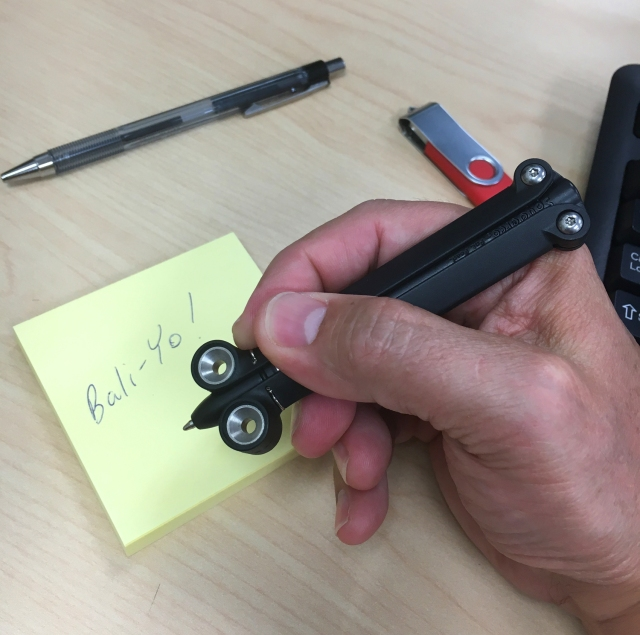 Spyderco BaliYo writing